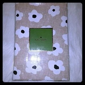 Kate spade Faye floral tablecloth